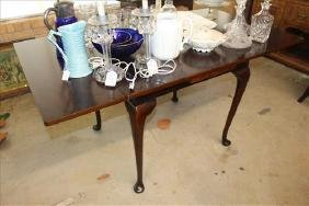 Mahogany Queen Anne drop leaf dining table