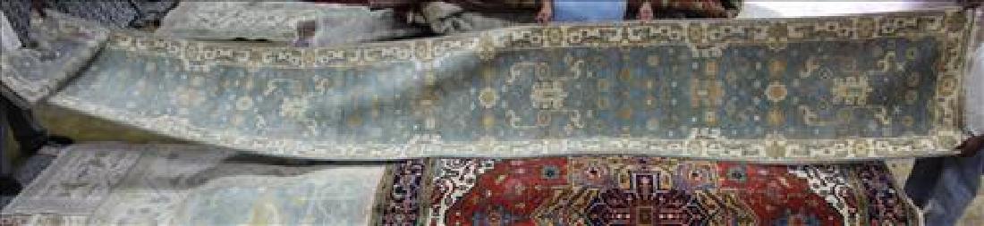 Fine Oushak rug, 2.6 x 20.3