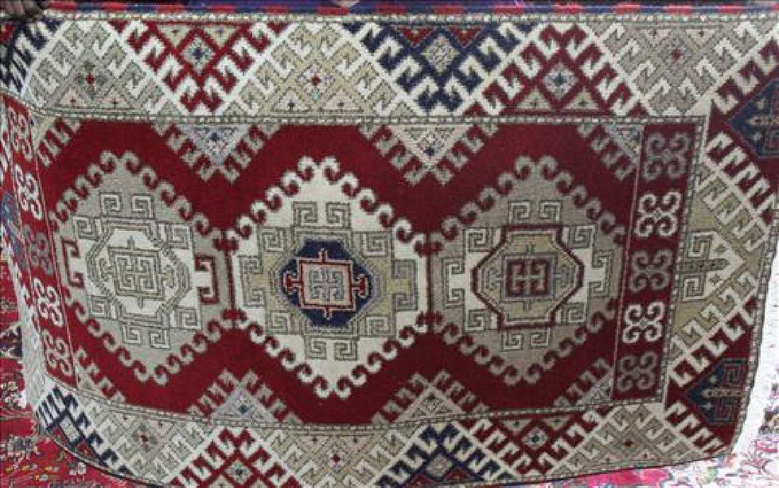 Kazak rug, 3.2 x 5.2