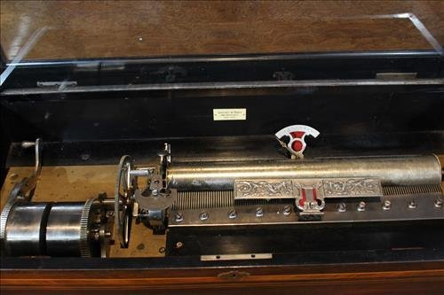 Rosewood inlaid music box by Jacot and Son - 4