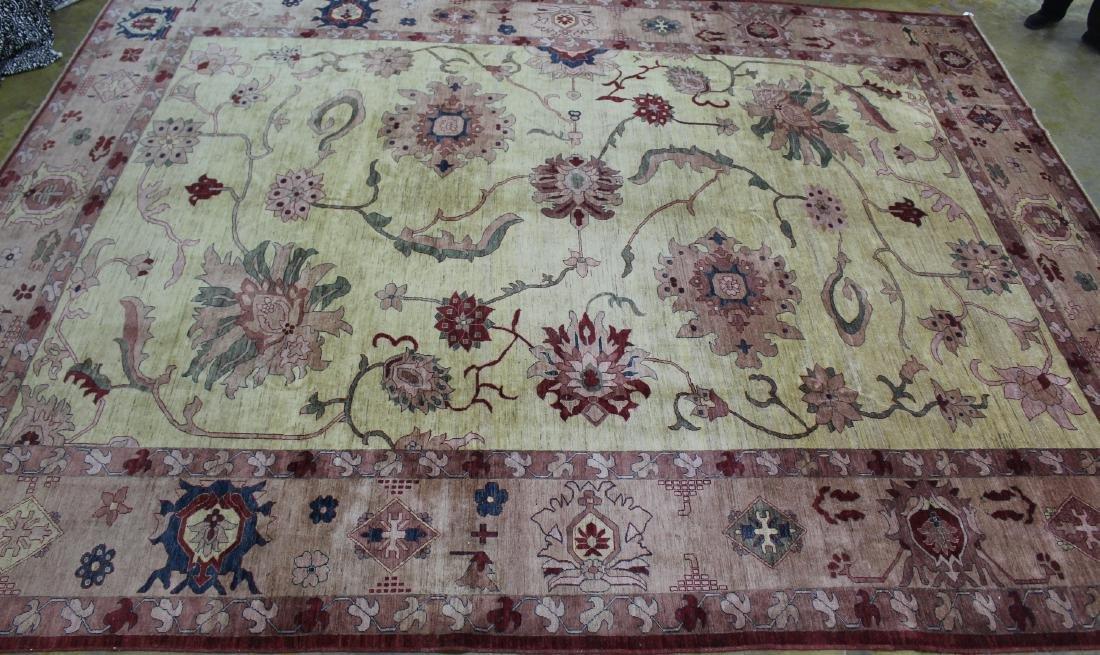 Fine Tabriz rug, 12.10 x 17