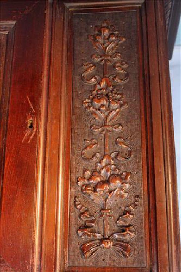 Mahogany blind door china cabinet, Berkey & Gay, ca. - 5