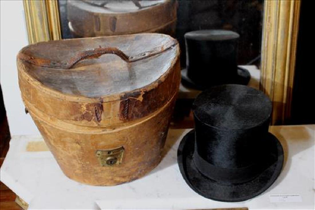 Mid 19th Century top hat with original carrying case