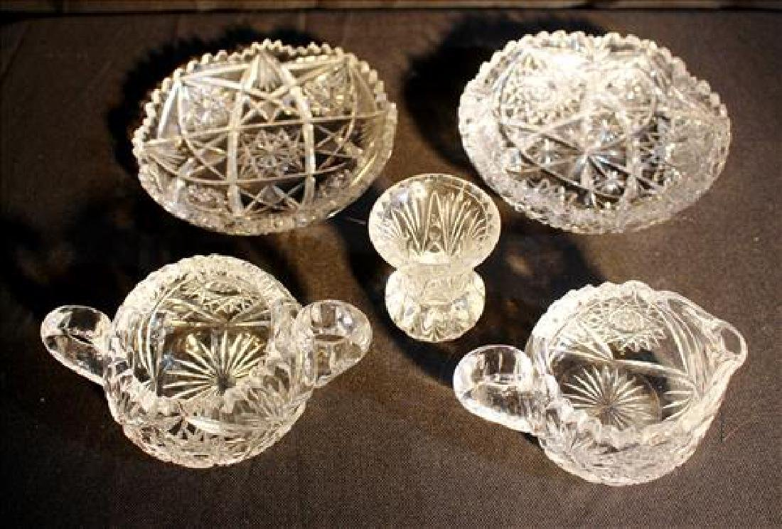 5 pieces of small cut glass