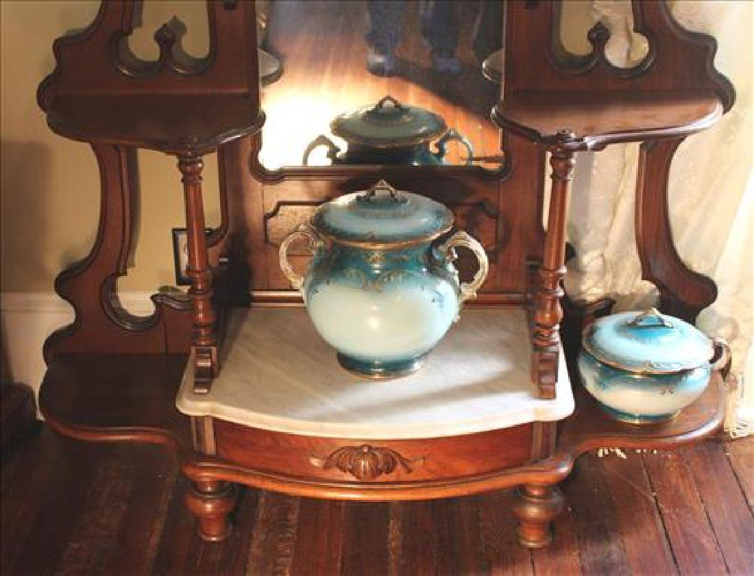 Walnut Victorian etagere with marble insert - 3