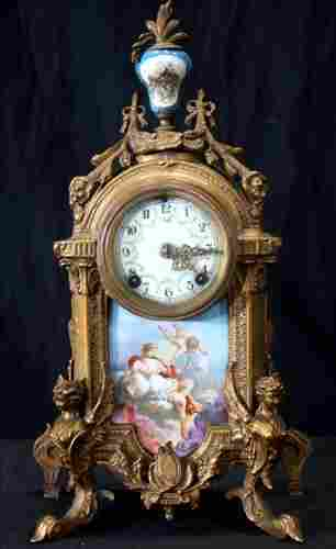Bronze and porcelain New Haven clock
