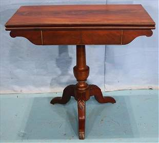 Walnut Victorian game table with green felt top