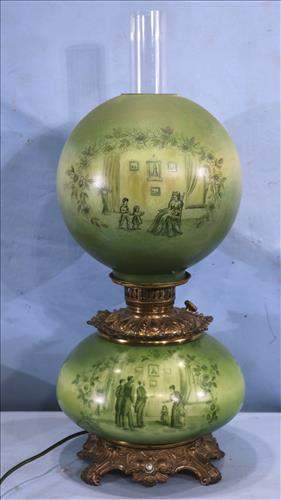 Gone with the wind oil lamp, has Victorian scene