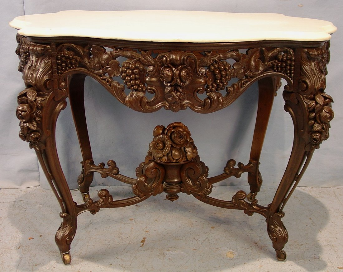 476: Rosewood rococo turtle top parlor center table