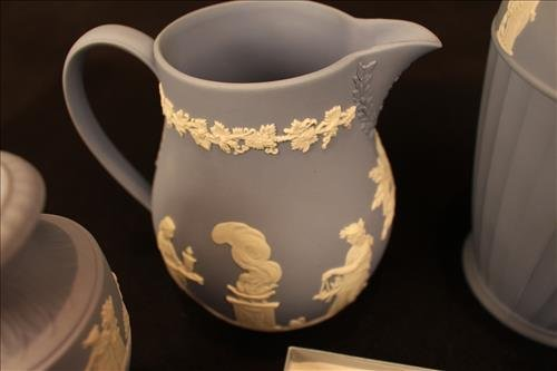 6 pieces of Wedgwood - 2