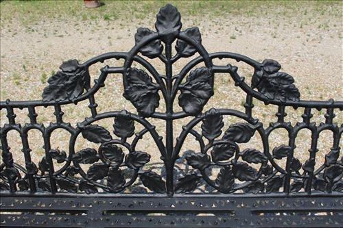 Black extremely heavy cast iron garden bench - 2
