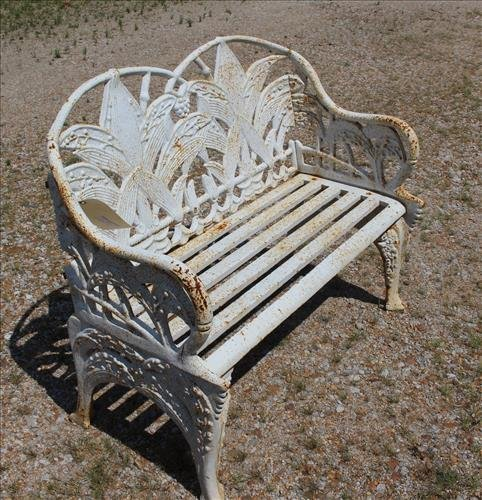White case iron garden love seat with fern leaves - 3