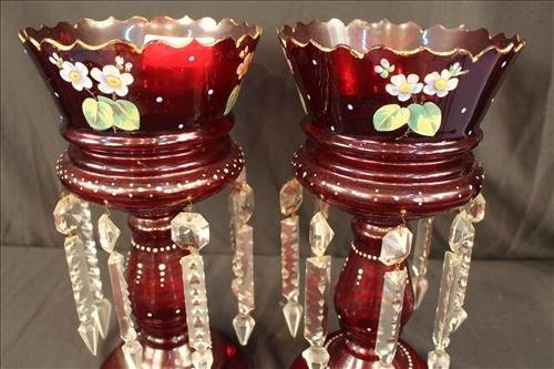 Pair ruby red mantle lusters with flowers - 3