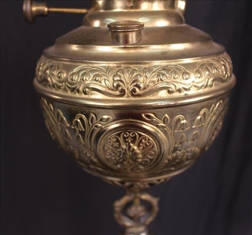 Victorian brass piano lamp with onyx on base - 3