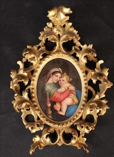 Painting on porcelain of mother and child