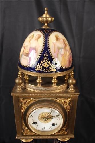 German porcelain and bronze pillow clock - 4