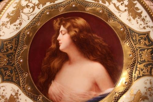 Royal Vienna hand painted plate with lady - 2