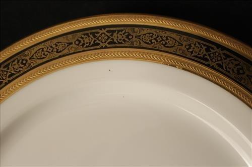 12 luncheon plates Ovington Bros's NY T.V. Limoges - 2