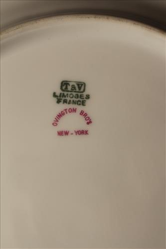 12 luncheon plates Ovington Bros's NY T.V. Limoges - 3