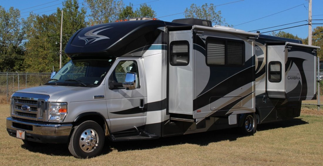 2010 Itasca Cambria 28B, 29.5 ft. Motor Home