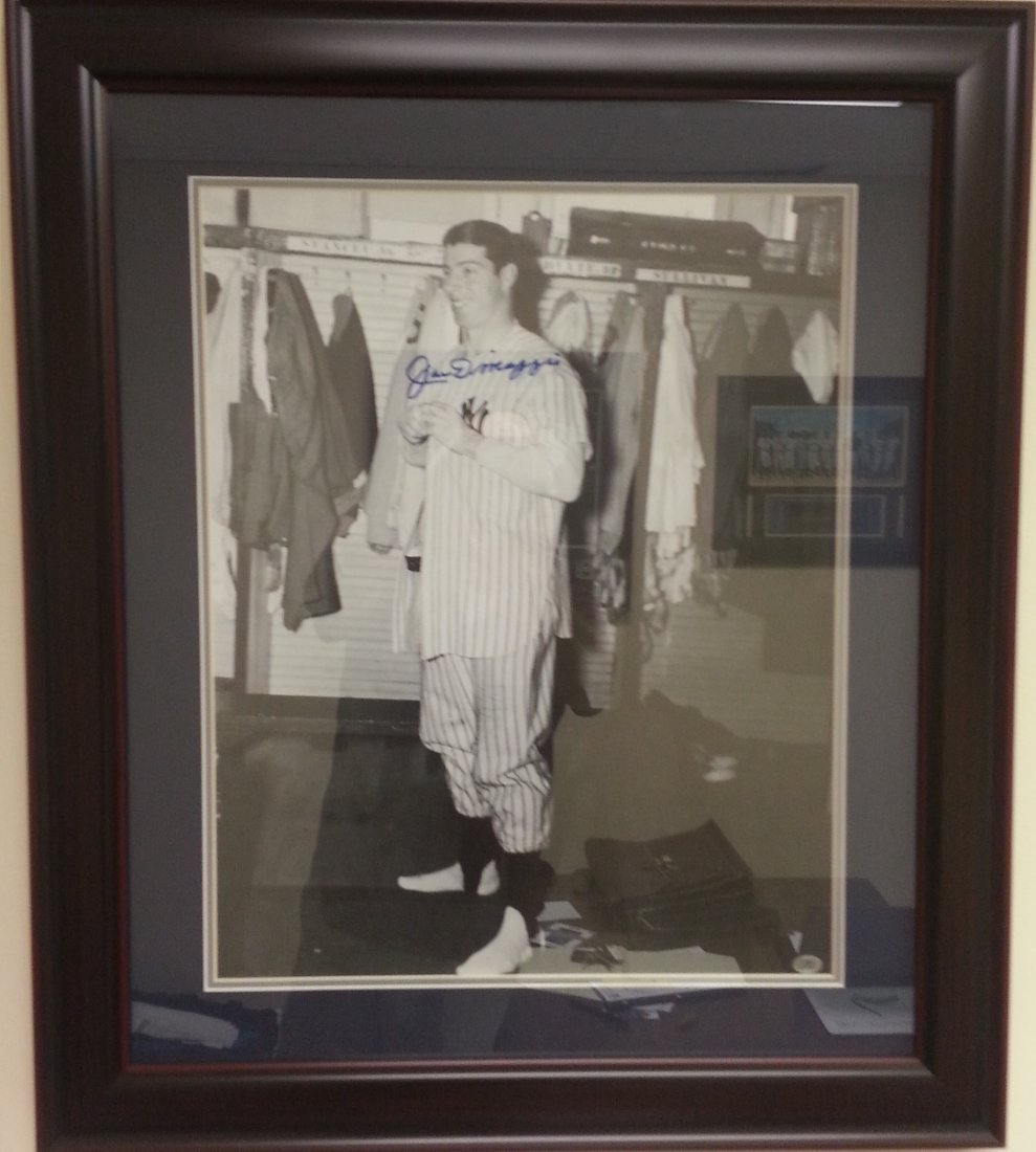 Joe DiMaggio framed autographed signed picture