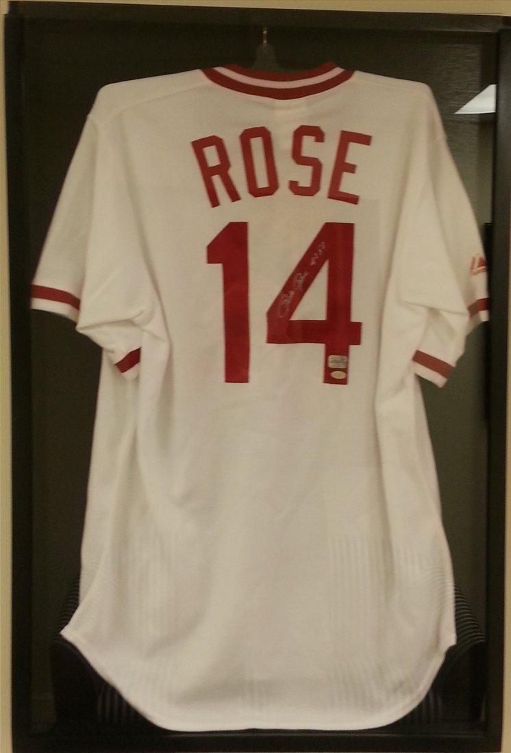 Pete Rose framed in case signed Jersey