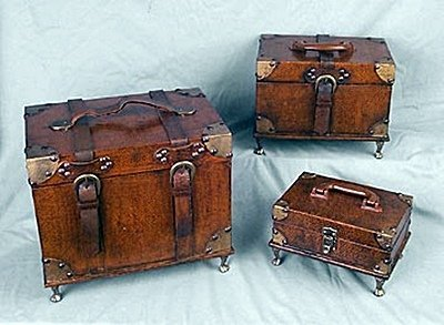 Suitcase-Style Boxes (12590)