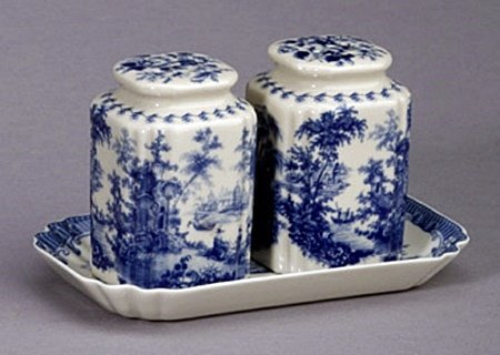 Salt and pepper shakers with tray (59134)