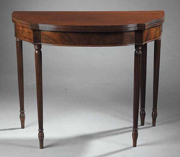 729: Antique Federal-Style Inlaid Mahogany Games Table