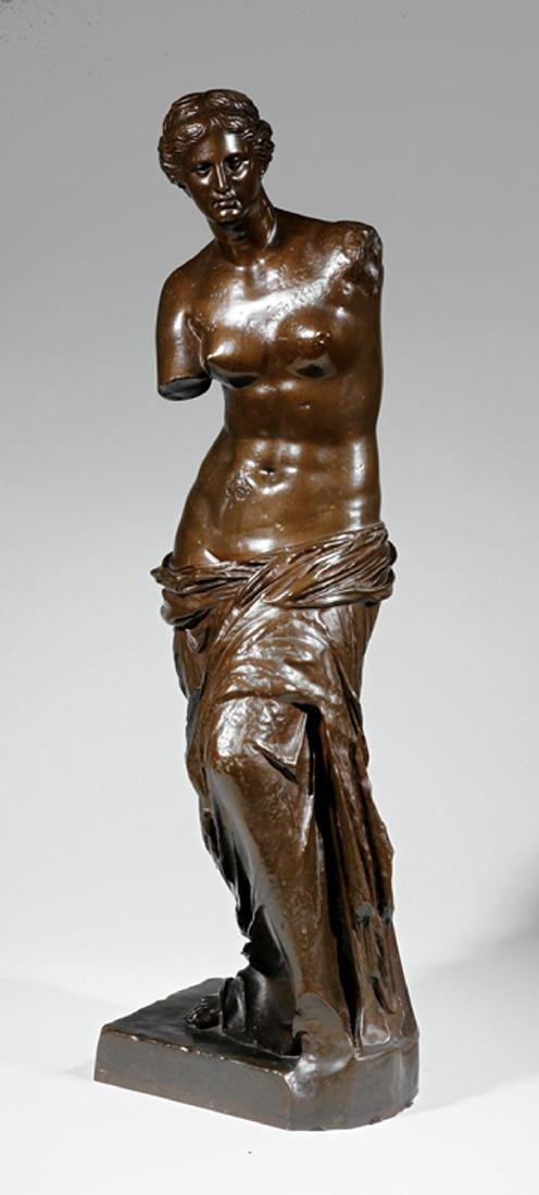 "French Patinated Bronze Figure of the ""Venus"""