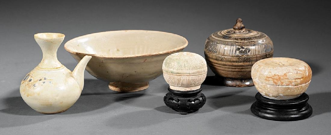 Group of Chinese and Thai Pottery