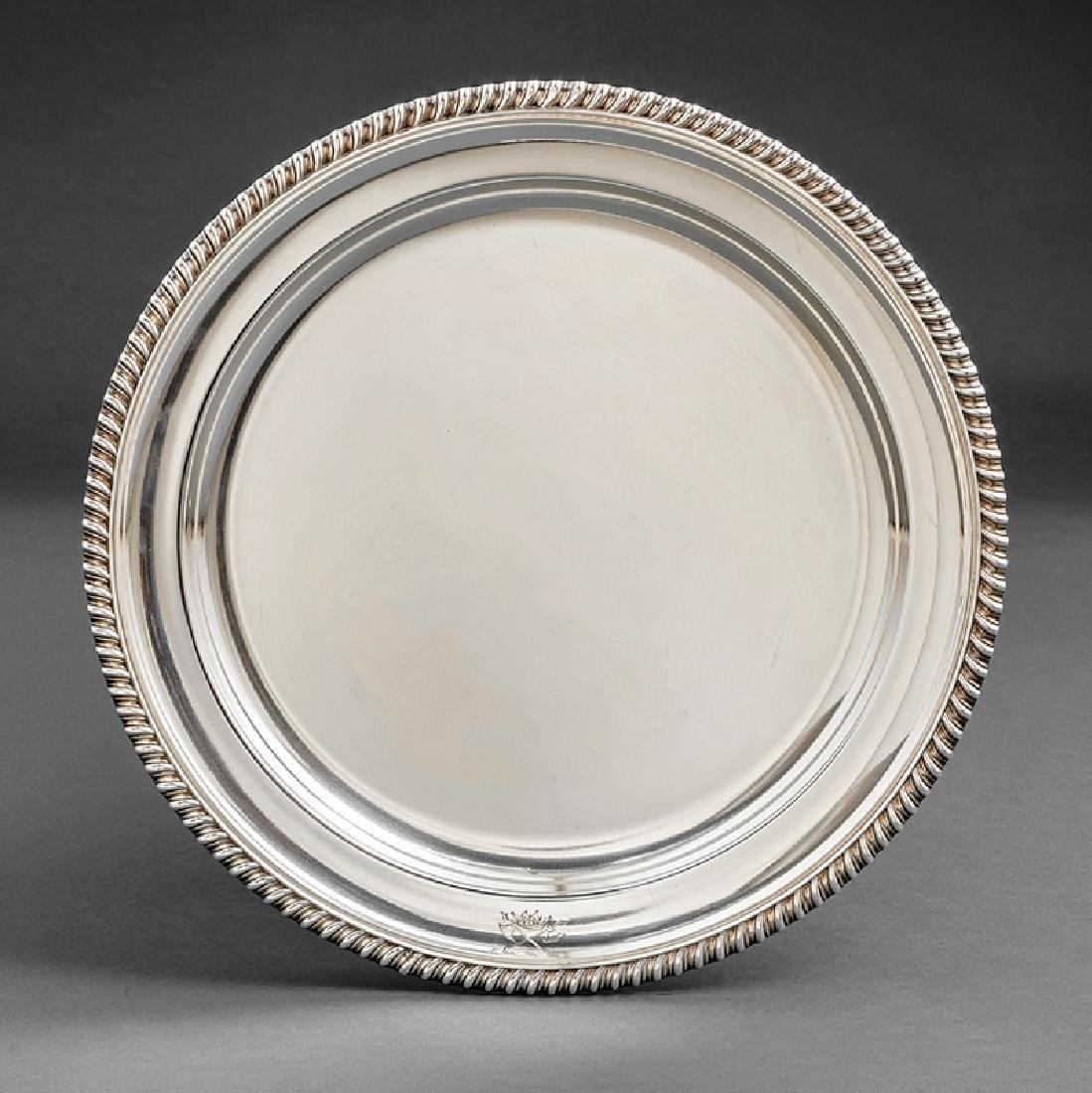 Twelve Georgian-Style Silverplate Dinner Plates - 4