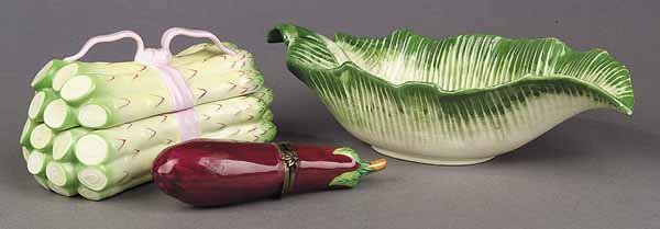 1057: A French Limoges Porcelain Eggplant-Sh