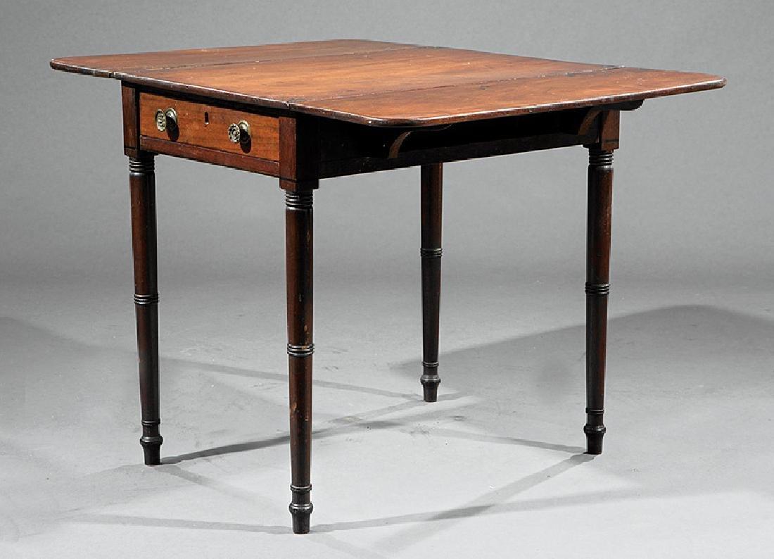 American Late Federal Mahogany Pembroke Table - 2