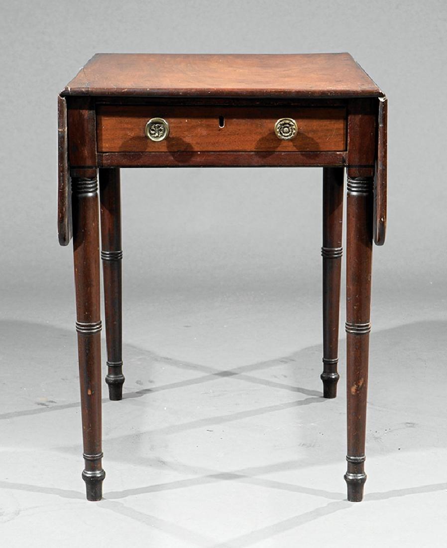 American Late Federal Mahogany Pembroke Table - 4