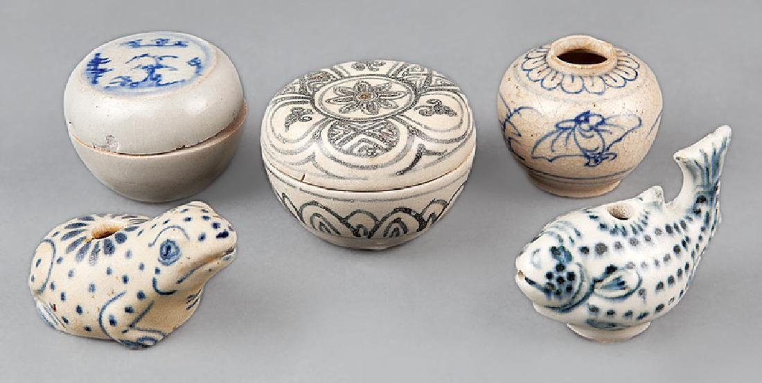 Vietnamese/Anamese Porcelain Objects