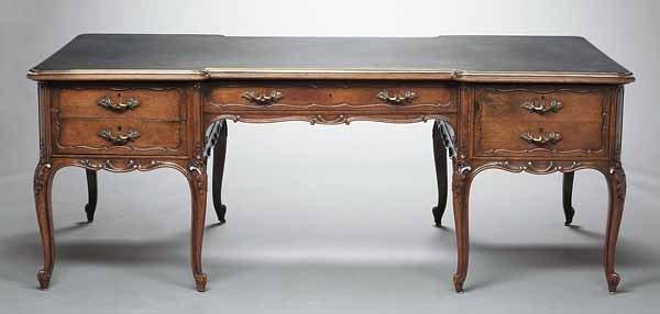 0018: Antique Louis XV-Style Oak Bureau Plat