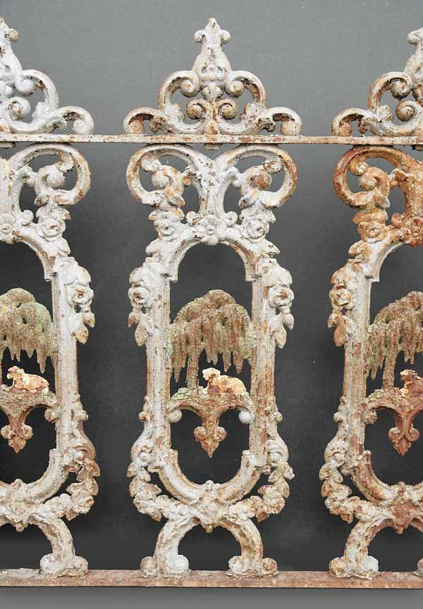 """0914: Set """"Lamb and Willow"""" Cast Iron Fencing - 3"""