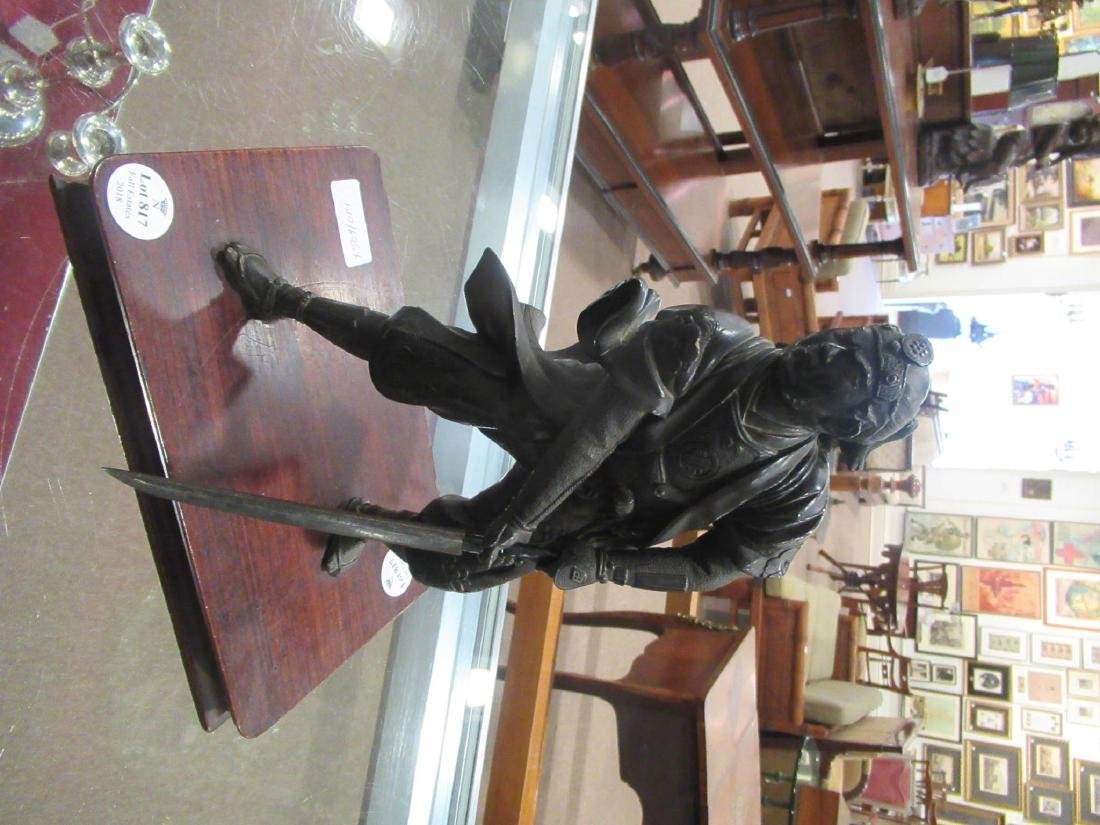 Japanese Bronze Figure of a Warrior - 3