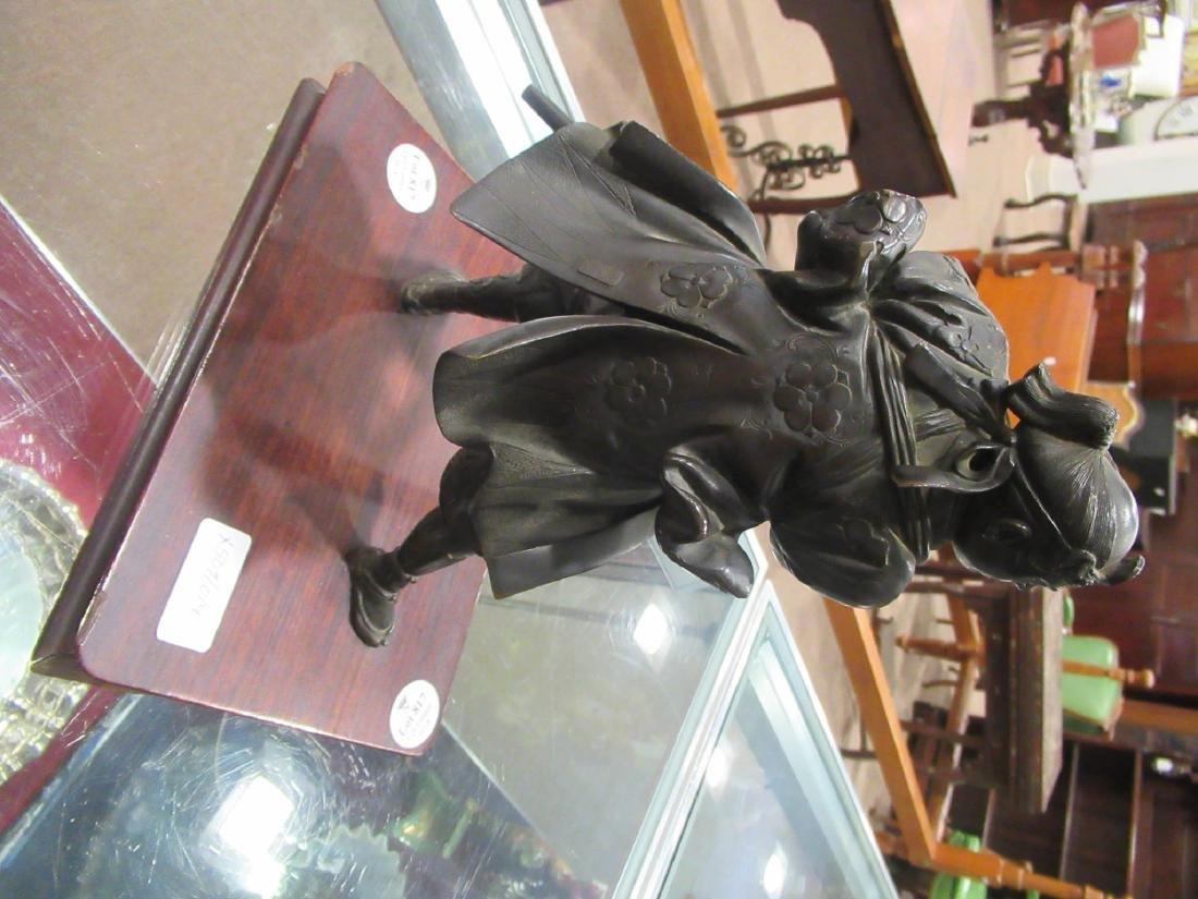 Japanese Bronze Figure of a Warrior - 7