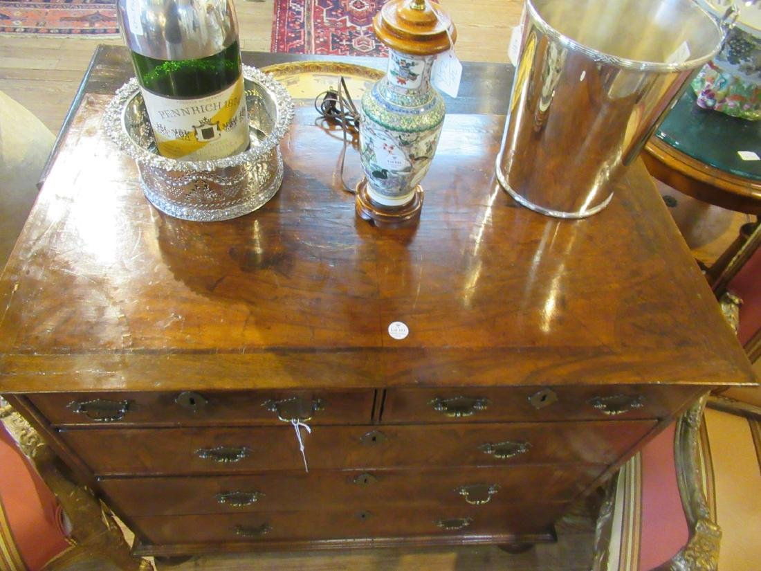 William and Mary Walnut and Burled Chest of Drawers - 3