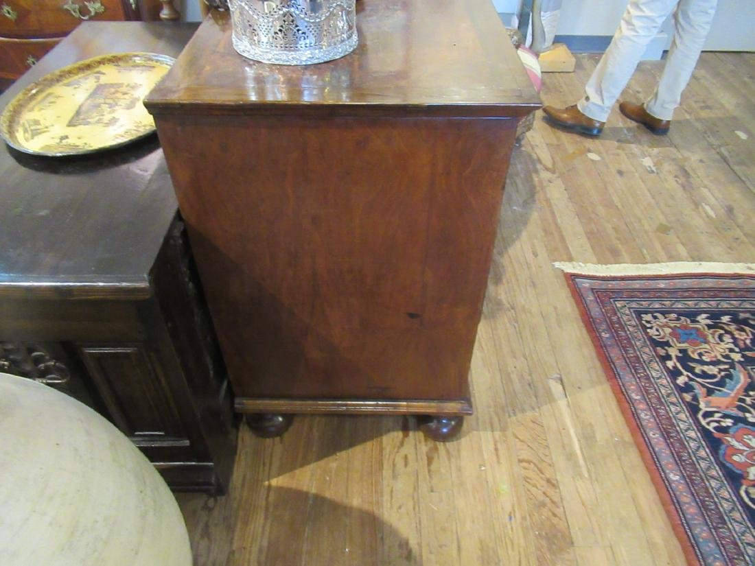 William and Mary Walnut and Burled Chest of Drawers - 4