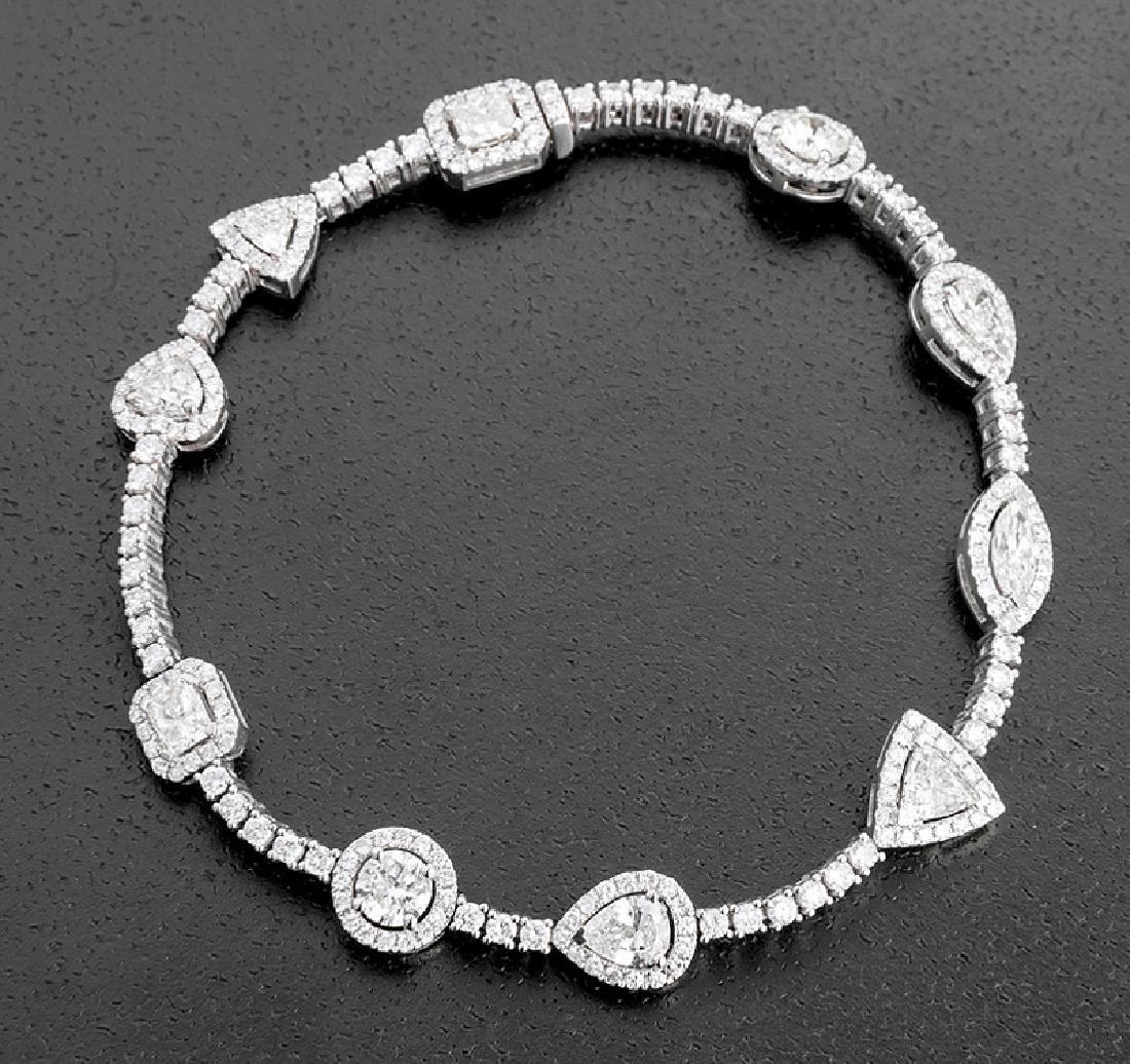 18 kt. White Gold and Diamond Flexible Bracelet