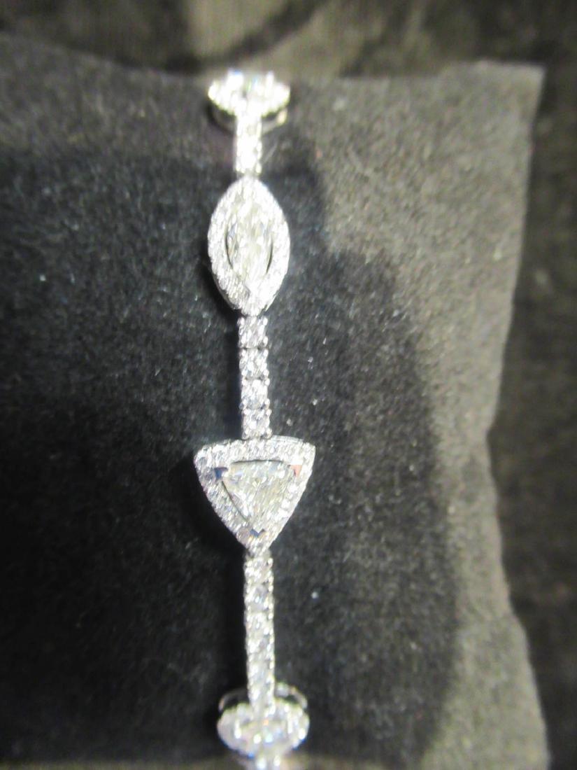 18 kt. White Gold and Diamond Flexible Bracelet - 4