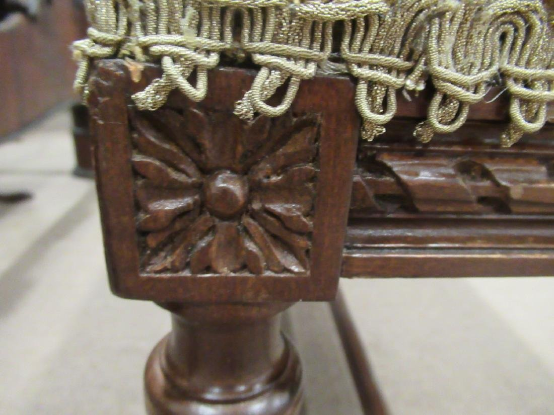 Louis XVI-Style Carved Mahogany Window Bench - 5