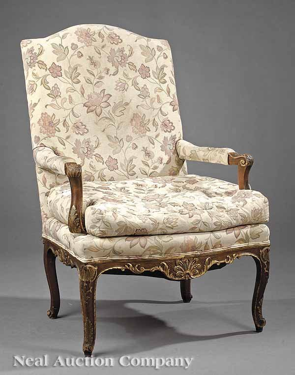 0623: Fruitwood and Gilt-Decorated Fauteuil a la Reine