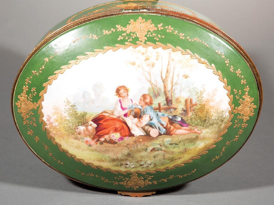Limoges Polychrome and Gilt Porcelain Dresser Box - 2