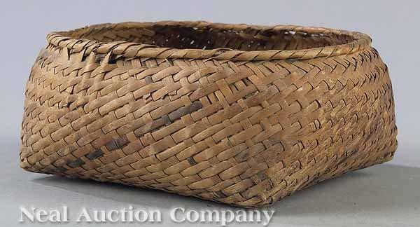 1132: Bamboo Choctaw or Coushatta Timber Basket