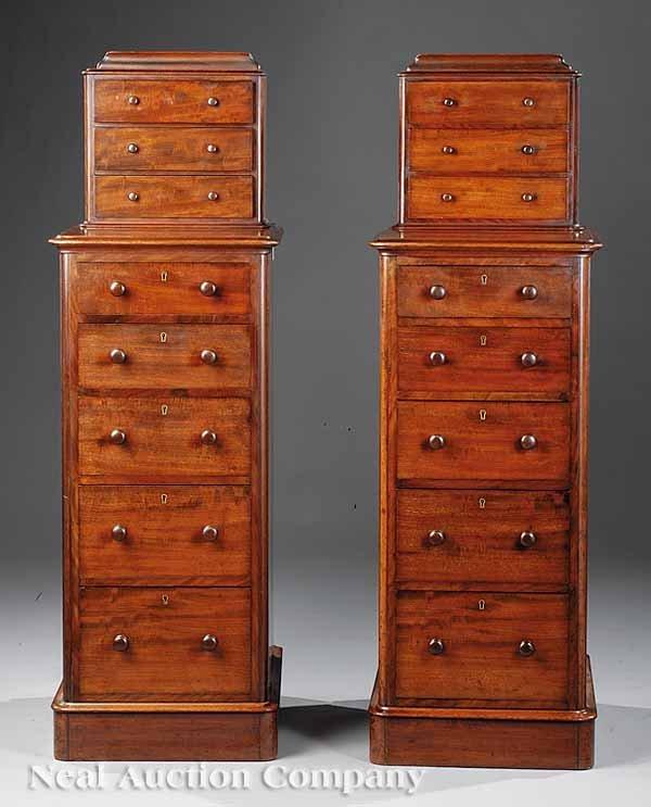 0683: Pair of Victorian Mahogany Pedestals