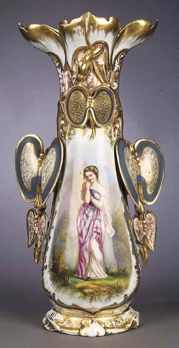 0804: A Vieux Paris Porcelain Polychrome and